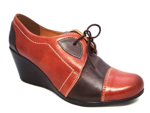 ad993b6d7acf Dámske kožené klinové poltopánky v dvoch farbách - obuv carmen