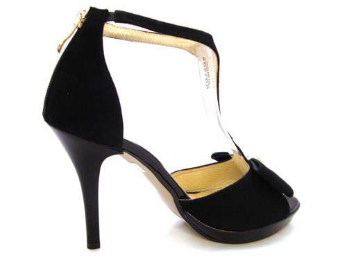 e126c6d70293a Velúrové čierne kožené sandálky na platforme zn.Embis