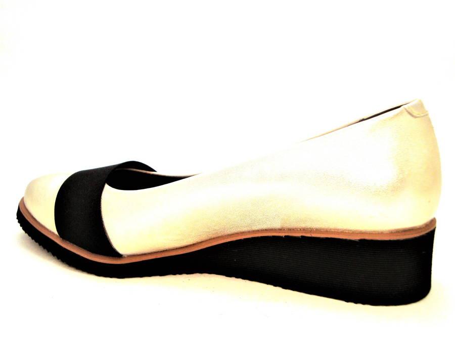 Štýlové kožené topánky na klinovej podrážke d6a1cdda6c5
