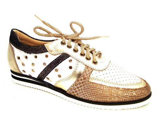 2875bf024e Zlaté perforované kožené topánky s bielou podrážkou - Obuv Carmen
