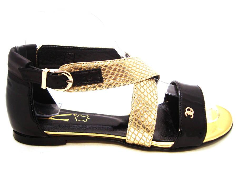 9544f3a9fcf91 Elegantné čierno-zlaté kožené sandálky - Obuv Carmen