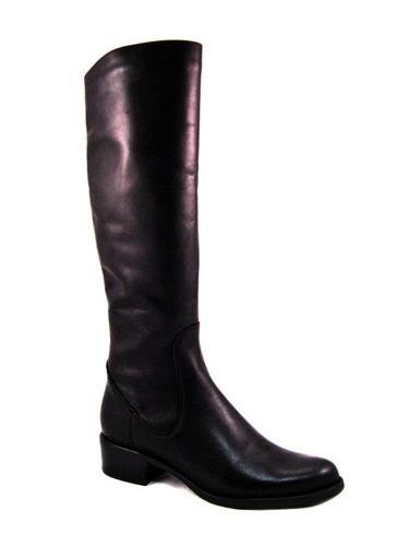 fea57c9ebadc0 Čierne kožené čižmy na nízkom podpätku s XS-sárou-Obuv Carmen