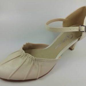 4d3d327fb Krémové sandále na nízkom podpätku s remienkom -Obuv Carmen
