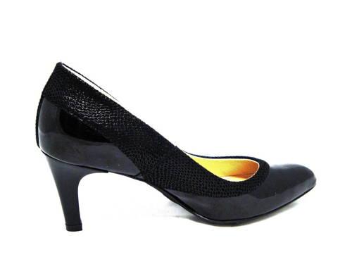 Elegantné lakované čierne lodičky zn.Acord 9546b68842e