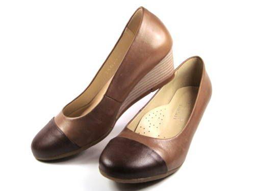 e0e99eed2528 Hnedé kožené topánky na klinovom podpätku