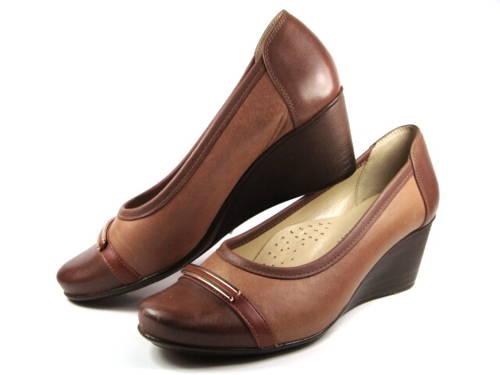 21be1db883 Hnedé kožené topánky na klinovom podpätku-Obuv Carmen