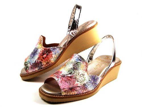 d363e4abbb Presso-kvetinkové pohodlné španielske sandálky-Obuv Carmen